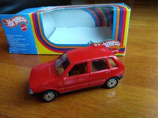 1 Fiat Uno 5 puertas 1/43 de Hot Wheels
