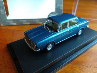 1 Lancia 2000 berlina 1971 1/43 de Starline