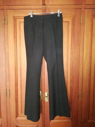 Pantalón negro Stradivarius