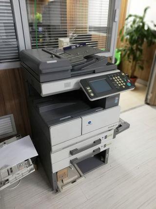 fotocopiadora BIZHUB 250