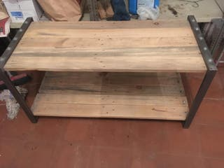 Mesa/banco diseño industrial.