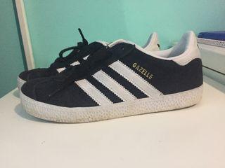 Zapatillas gazele Adidas negras