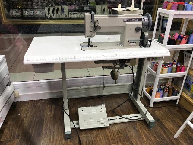 Maquina de coser de triple arrastre de segunda mano por