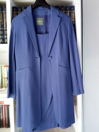 Vestido y chaqueta de Roberto Verino