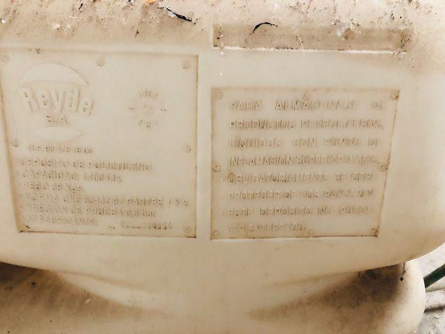 Depósito 1.100 litros (gasoil gasolina agua)