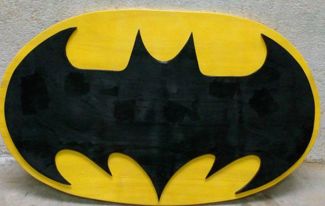 Batman logo de grandes dimensiones