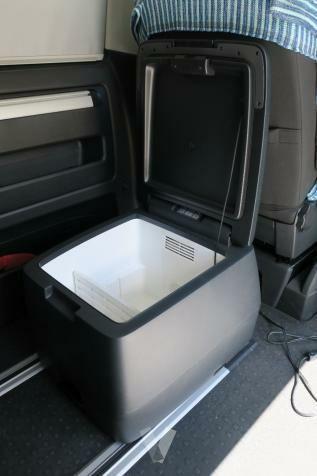 asiento cama Volkswagen T5 + banqueta+ nevera seri