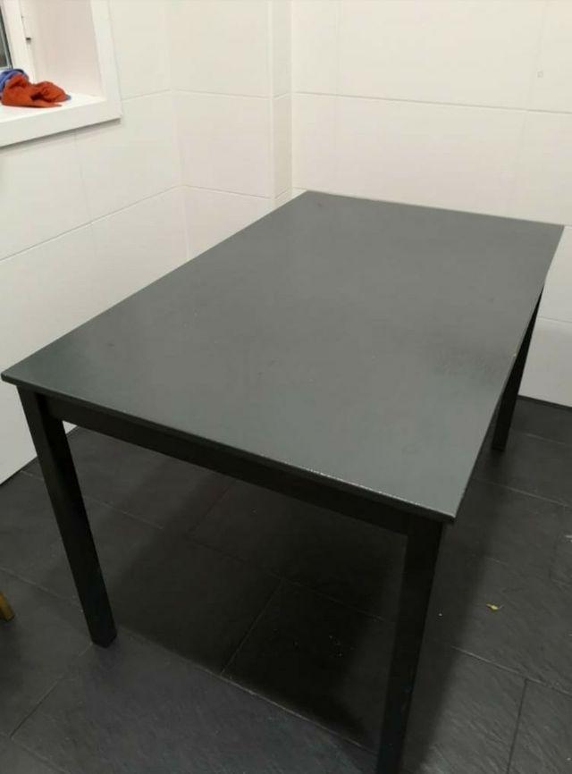 Mesa cocina Ikea Lerhamn + 4 sillas de regalo de segunda mano por 35 ...