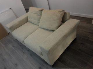 sofá kuker exposición