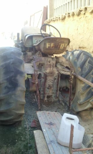 tractor FENT antiguo
