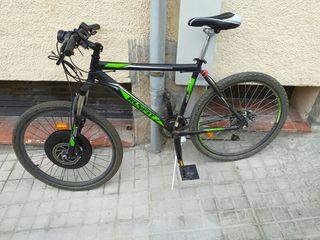 Bicicleta eléctrica con kit imortor y ayuda pedale
