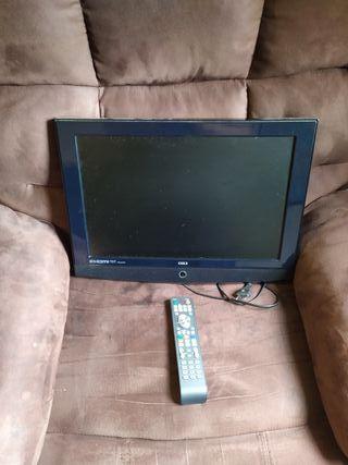 televisor sin patas y mando universal 19 pulgadas