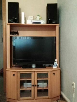 mueble y una balda de 1 m aparte del mueble