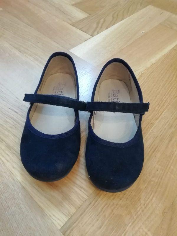 3fe820152c6 Zapatos bailarinas niña talla 28 de segunda mano por 5 € en ...