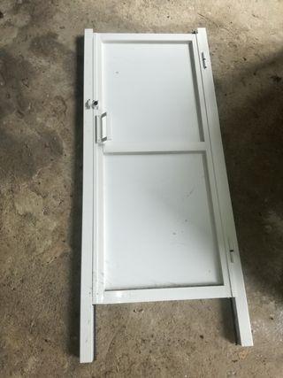 8 puertas de aluminio