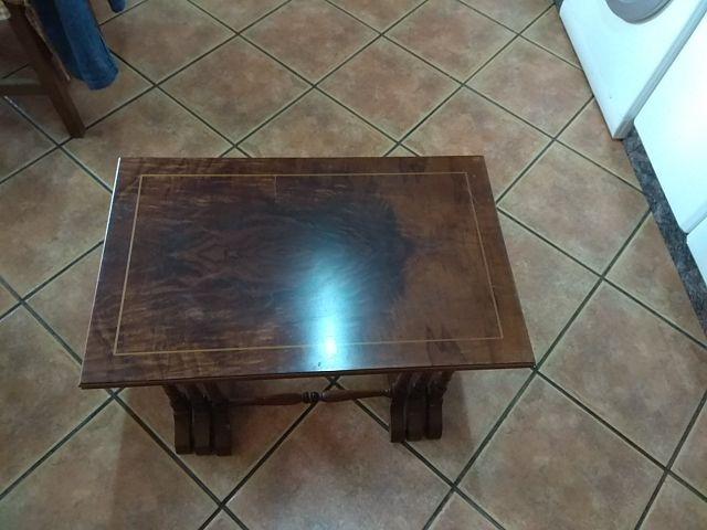 Conjunto de 3 mesitas de madera