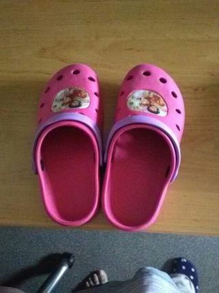 zapatillas niña playa