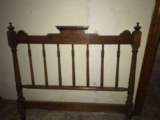 Cabecero de cama antiguo