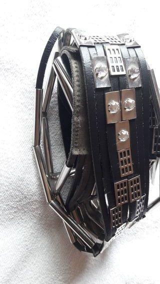 Cinturon cuero negro, fantasia