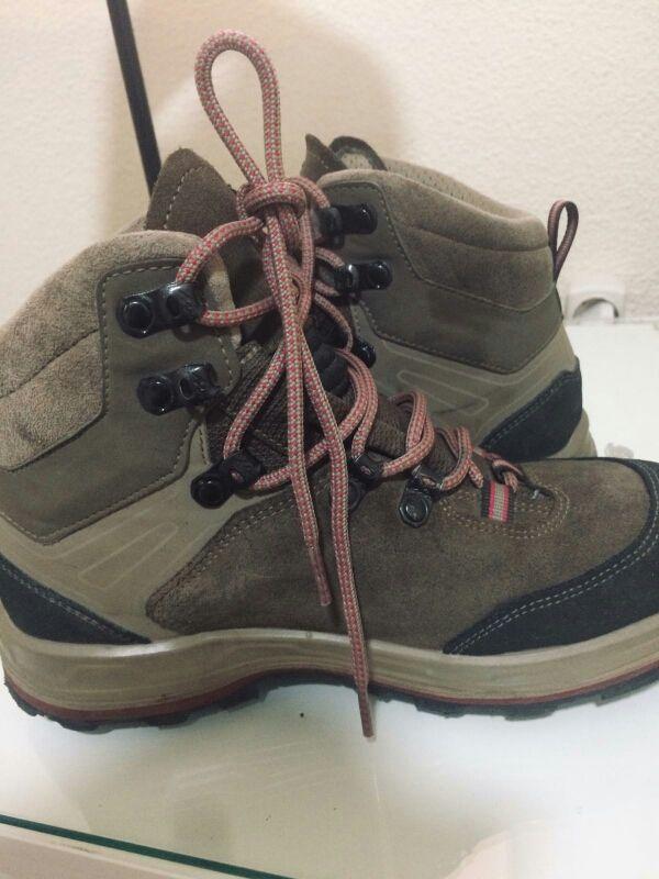 d8dc85309fb Botas de montaña y trekking trek100 mujer de segunda mano por 30 ...
