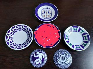 Platos y medallas de cerámica de Sargadelos