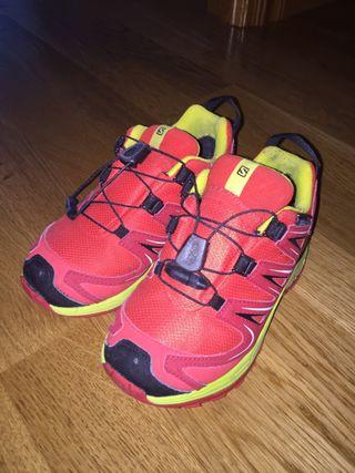6eda084d9 Zapatillas para niño de segunda mano en Salamanca en WALLAPOP