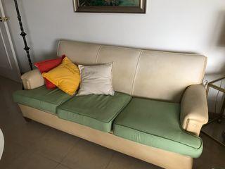 Sofa 3 plazas medidas 1,90m x 0,95 m fondo