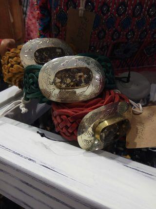 Cinturones de cuero étnicos