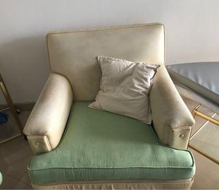 Sofa salon , medidas 85cm x 93cm .