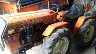 Tractor 21 cv seminuevo goldoni en perfecto estado