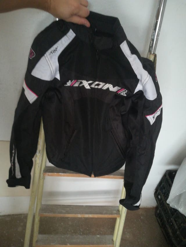 tienda de liquidación 6679b 90d60 Chaqueta moto Ixon mujer de segunda mano por 50 € en Arévalo ...