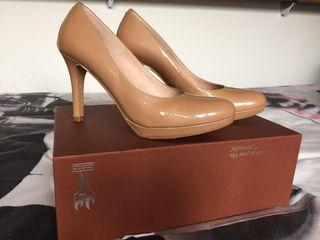 Zapatos nude tacón fino