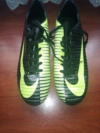 zapatillas deportivas de Cristiano Ronaldo
