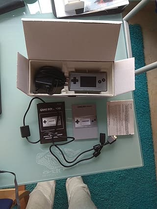Game Boy Micro + cable Game link