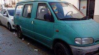 Nissan Vanette Carga combi