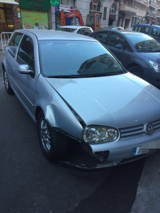 Volkswagen Golf Accidentado