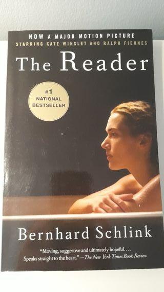 The reader. El lector