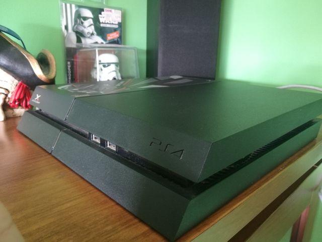 PS4 500gb + juegos + mando + auriculares
