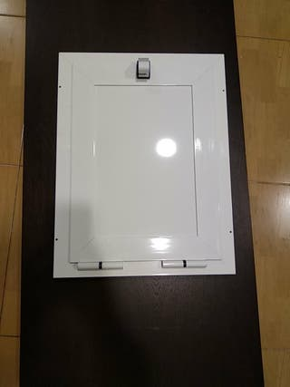 Escotilla puerta aluminio