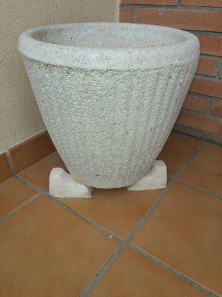 Macetero de granito