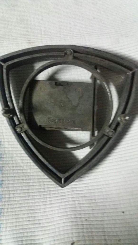 antigua insignia de coche