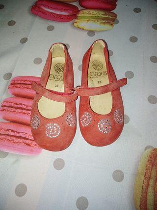 zapatos de ante número 23