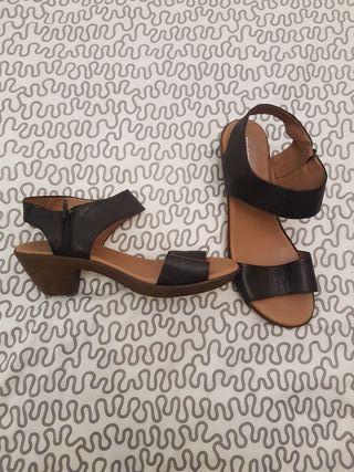 Sandalias nuevas n°41