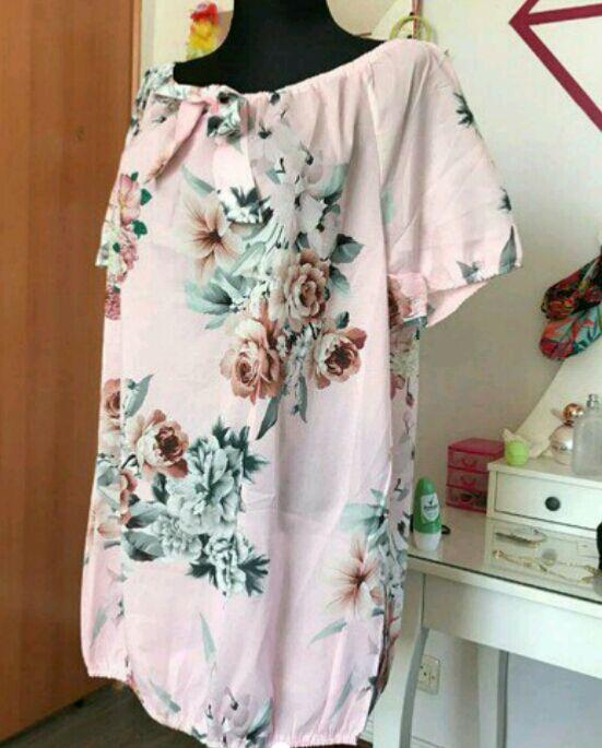 Blusa floral rosa a estrenar