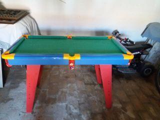 Mesa de billar y mesa de futbolin