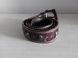 Cinturón mujer de cuero marrón con tachuelas