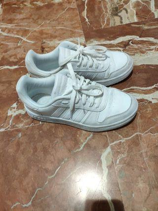 zapatillas deportivas Adidas, blancas número 38