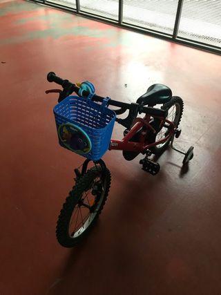 Bicicleta per nen o nena de 3 a 6 Anys