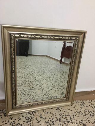 Espejo restaurado