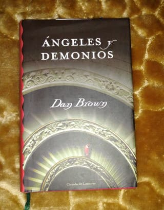 "Libro ""Angeles y demonios"""